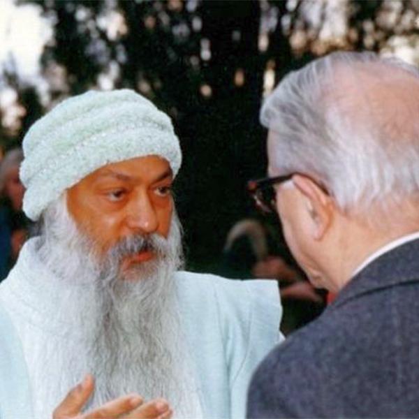 Intervista di Enzo Biagi a Osho – 12/01/1986