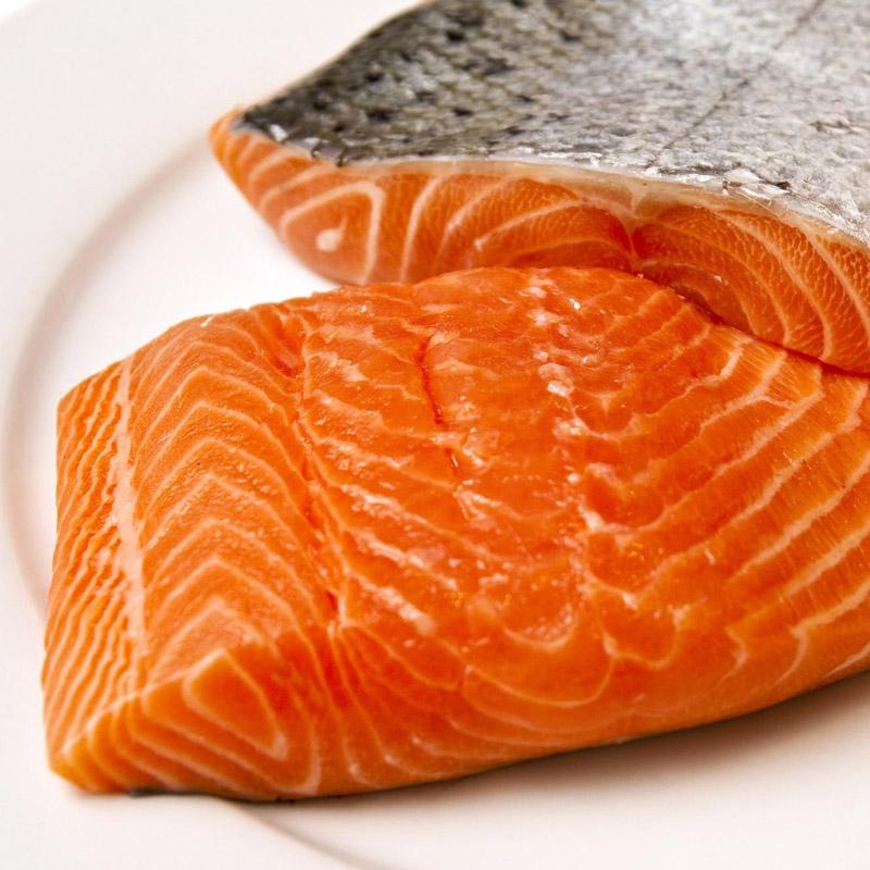 Salmone d'allevamento: via dalla nostra tavola!